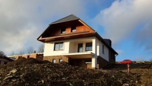 Rodinný dům v Mistrovicích - pohled zepředu